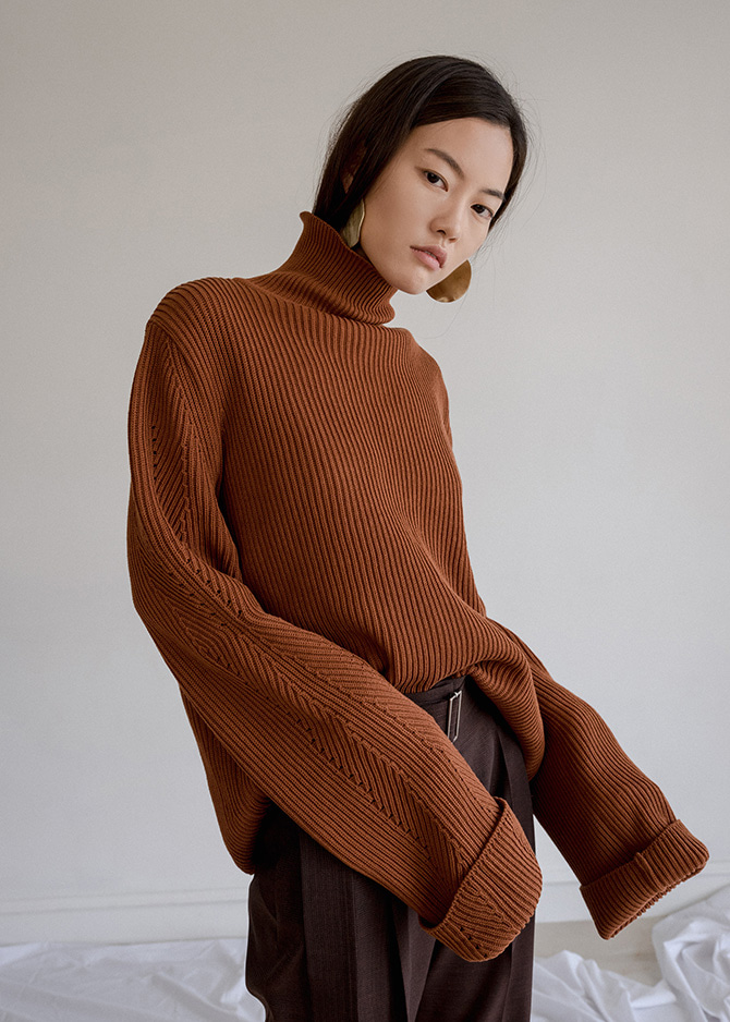 917 Brick Turtleneck Sweater