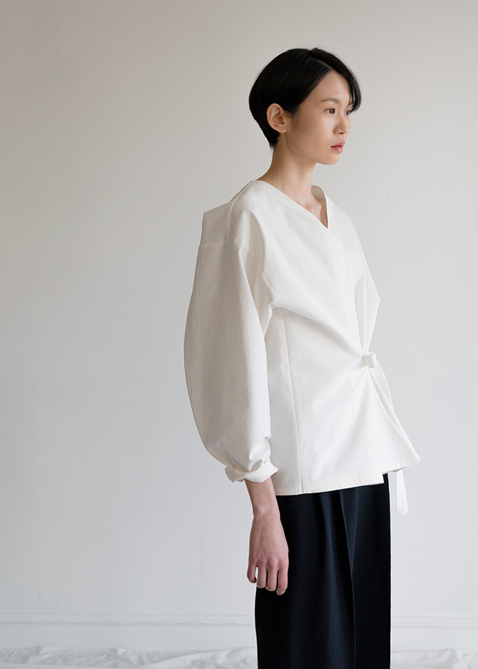 917 White Layered Blouse
